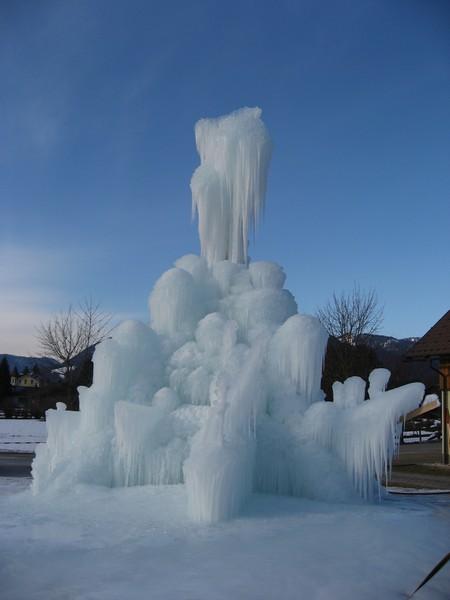01-[Jan_2009] Eispalast1.tn.jpg
