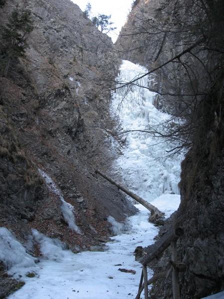 02-[Jan_2009] Eiswasserfall1.tn.jpg